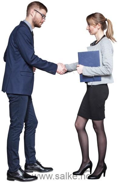 2 personer der gir hånd å gjør avtale